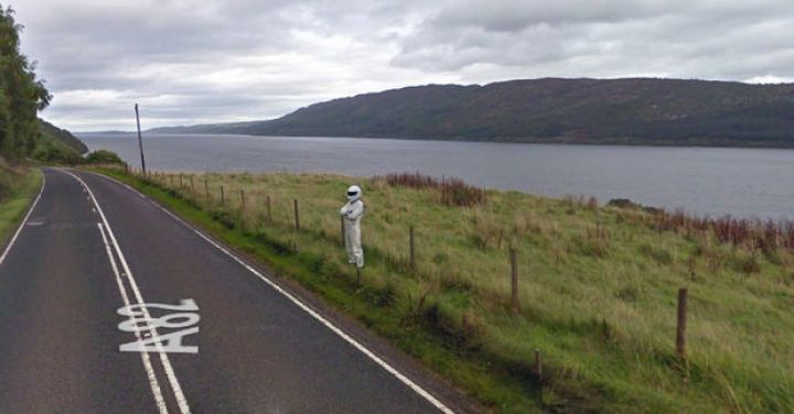 """25 Weird Things Found on Google Maps - """"Take me to your leader!"""""""