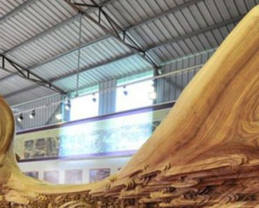 Chinese Artist Wins World Record for Longest Wooden Carving.