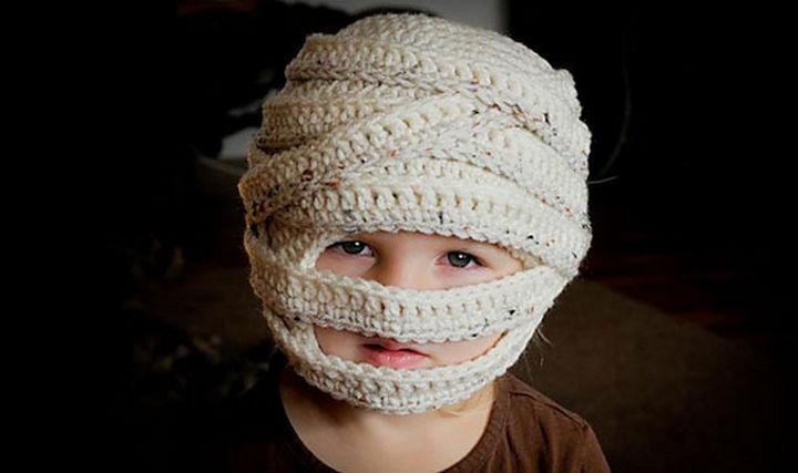 21 Crocheted Winter Hats - Mummy Hat.