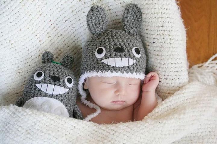 21 Crocheted Winter Hats - Totoro Hat.