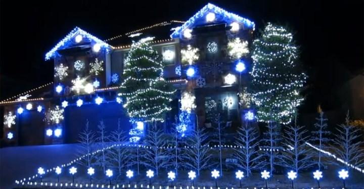 Christmas Light Show Featuring Frozen's 'Let It Go'.