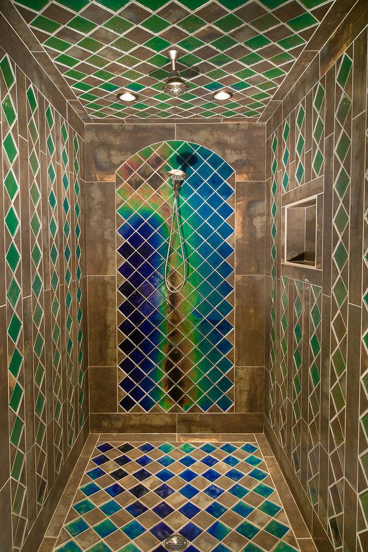 13 Beautiful Showers - Shower with heat sensitive tiles.