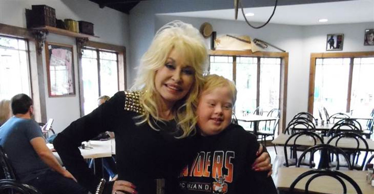 Dolly Parton Sings With Superfan Who Has Down-Syndrome.
