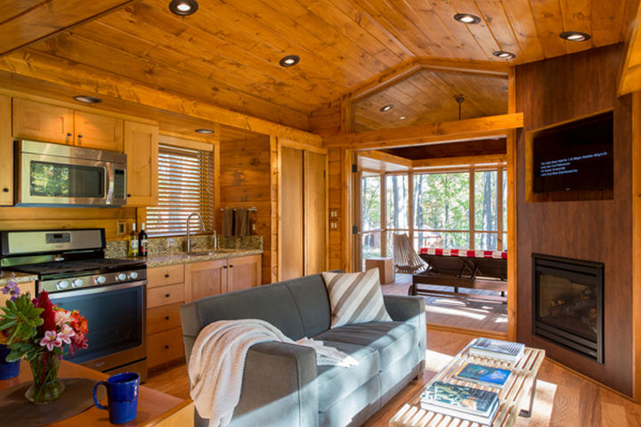 Inside ESCAPE Park Models, you would never expect this to be a cottage on wheels. It is as spacious as an apartment.