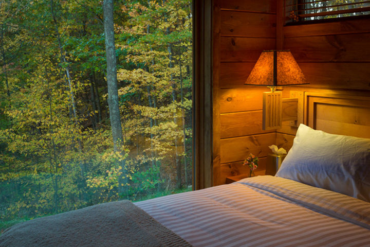 If you want to experience one of these ESCAPE cottages, you can plan a relaxing getaway package at Canoe Bay Escapes in Wisconsin, USA.