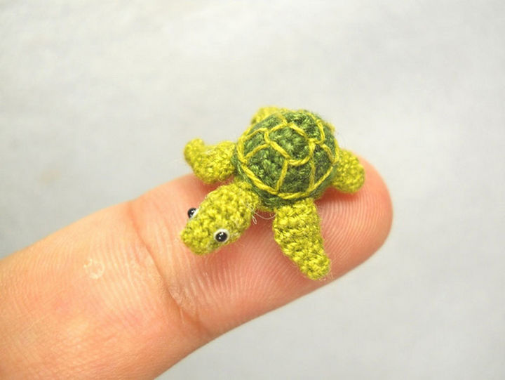 Micro crochet sea turtle.