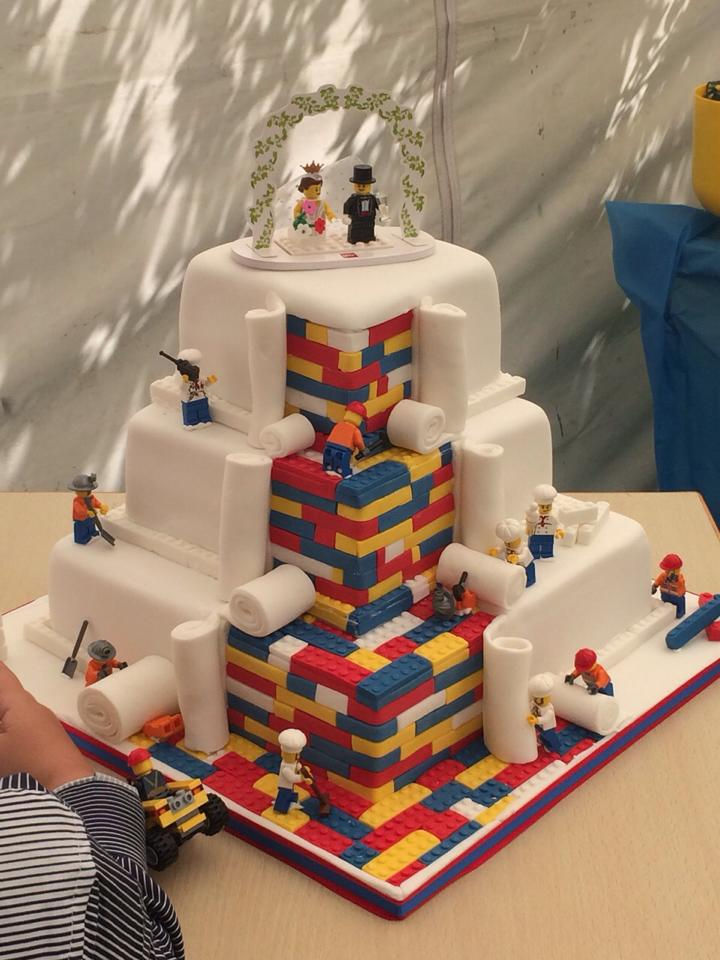 LEGO wedding cake 01
