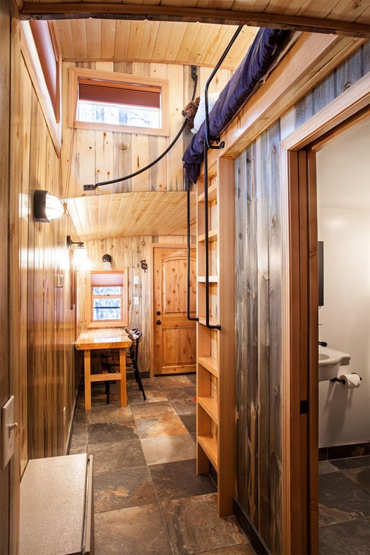 Essex is home to many log cabins and the interior design reflects the charm of a log cabin.