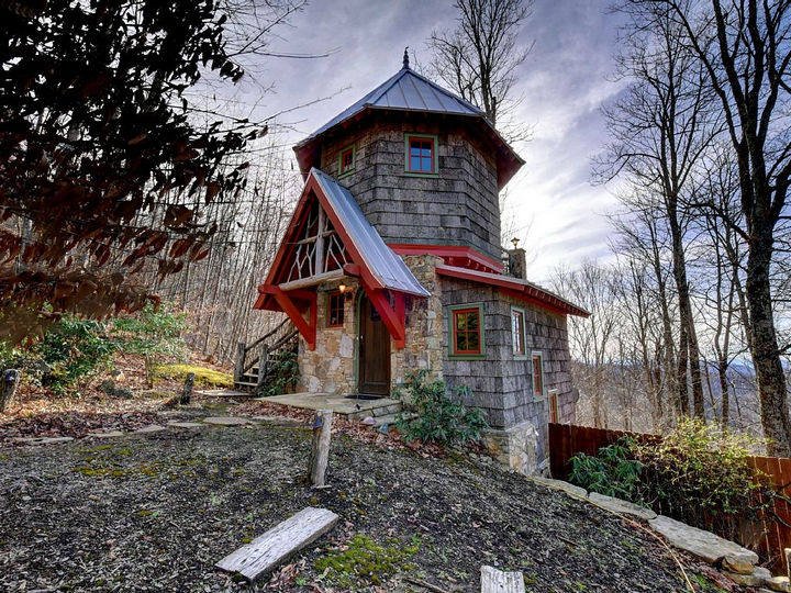 Behold the Hobbit House, a mini castle built 4,000 feet up in the Blue Ridge Mountains.