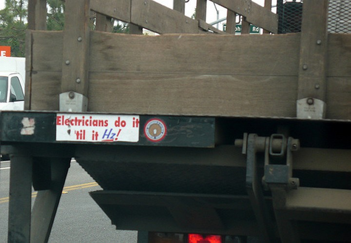 31 Funny Truck Signs - I'm laughing so much it Hz!