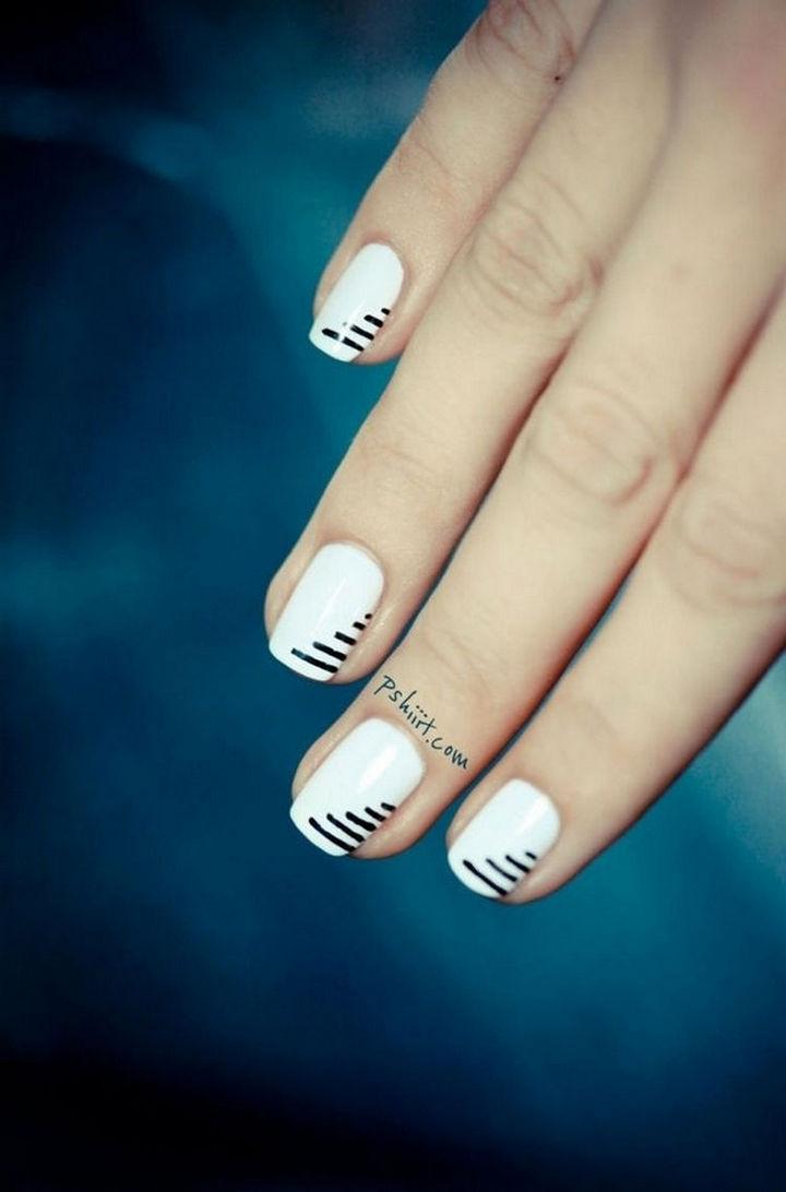 17 Minimalist Nails - Enchanting.