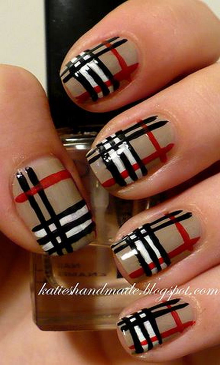 18 Striped DIY Nail Designs - Burberry lines.