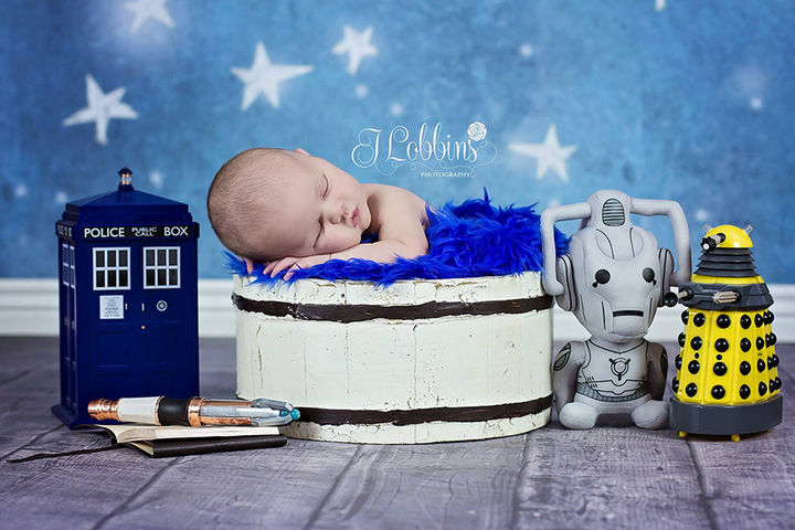 37 Newborns Wearing Geek Baby Clothes - Baby Doctor Who.