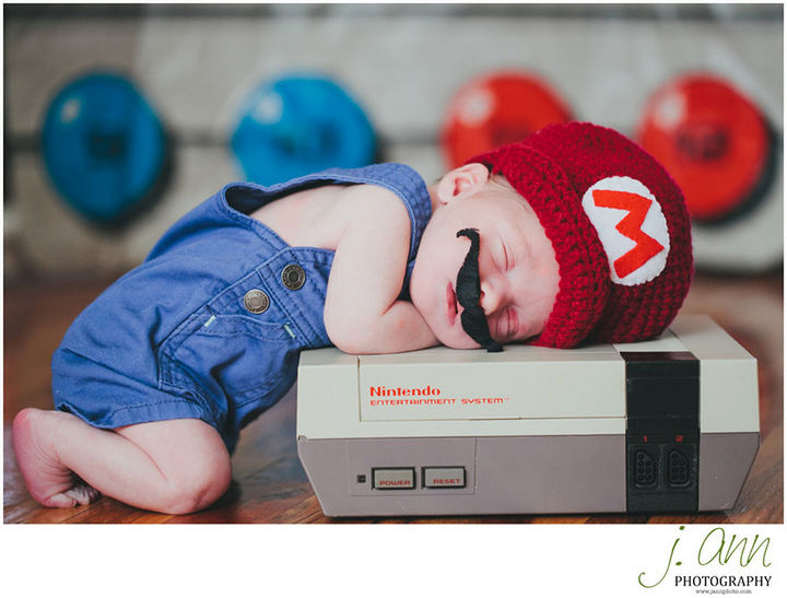 """37 Newborns Wearing Geek Baby Clothes - """"It's a me, baby Mario!"""""""