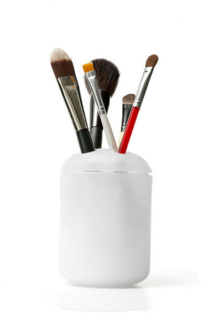 47 Amazing Life Hacks - Toothbrush Holder - Repurpose a toothbrush holder to hold your makeup brushes.