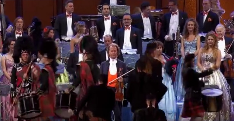 André Rieu Performing a Beautiful Version of 'Amazing Grace'.