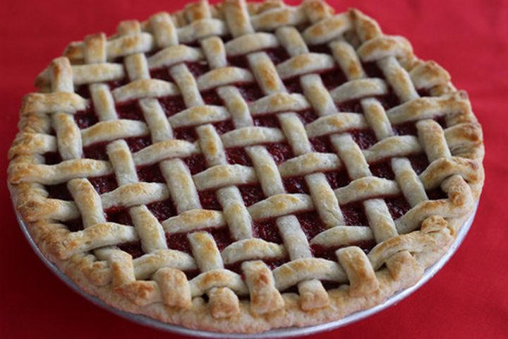 lattice pie crust design.