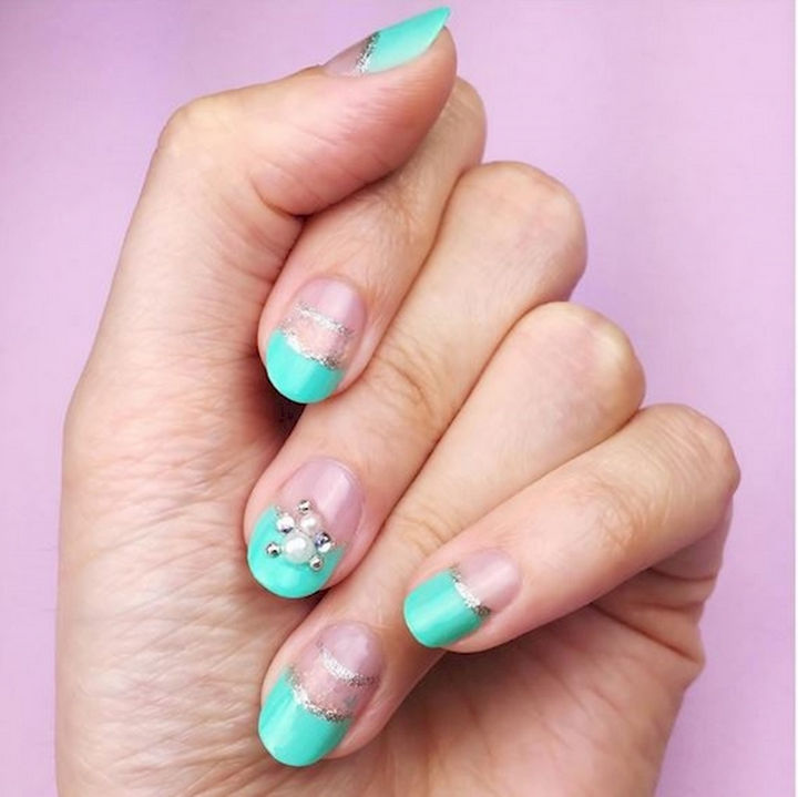 18 Beautiful Green Nails for Fall - A Japanese inspired nail art design featuring green tips.