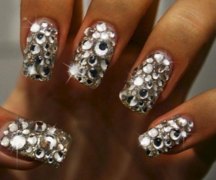 20 Metallic Nails - Bejeweled.