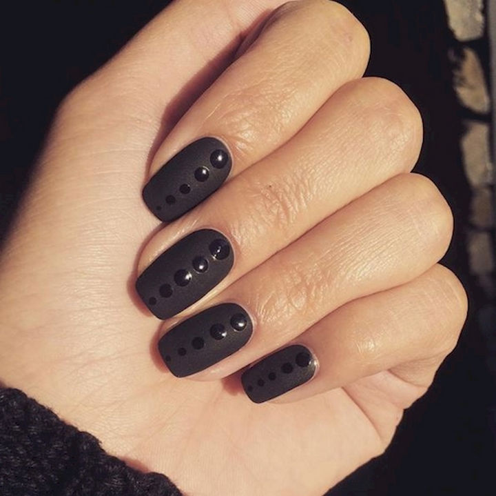 22 Black Nails That Look Edgy and Chic - Awesome glossy dots on matte nails.