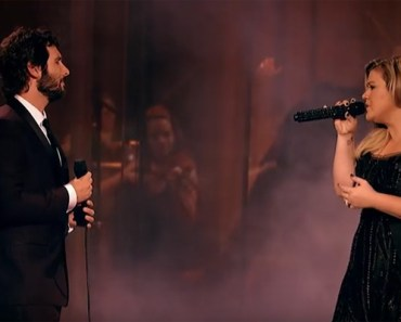 Phantom of the Opera Duet by Josh Groban and Kelly Clarkson.