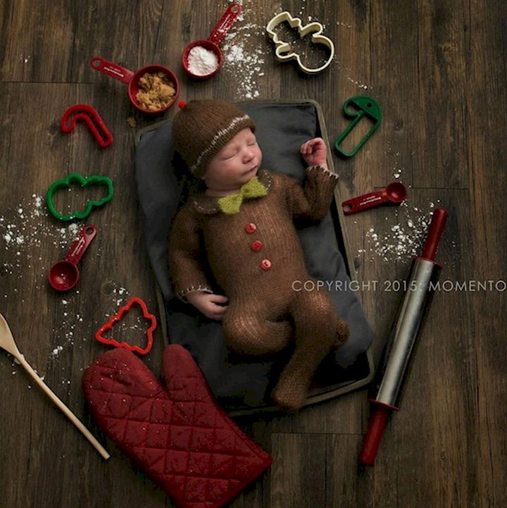 13 Cute Babies Wearing Christmas Outfits - This little gingerbread man is too cute.