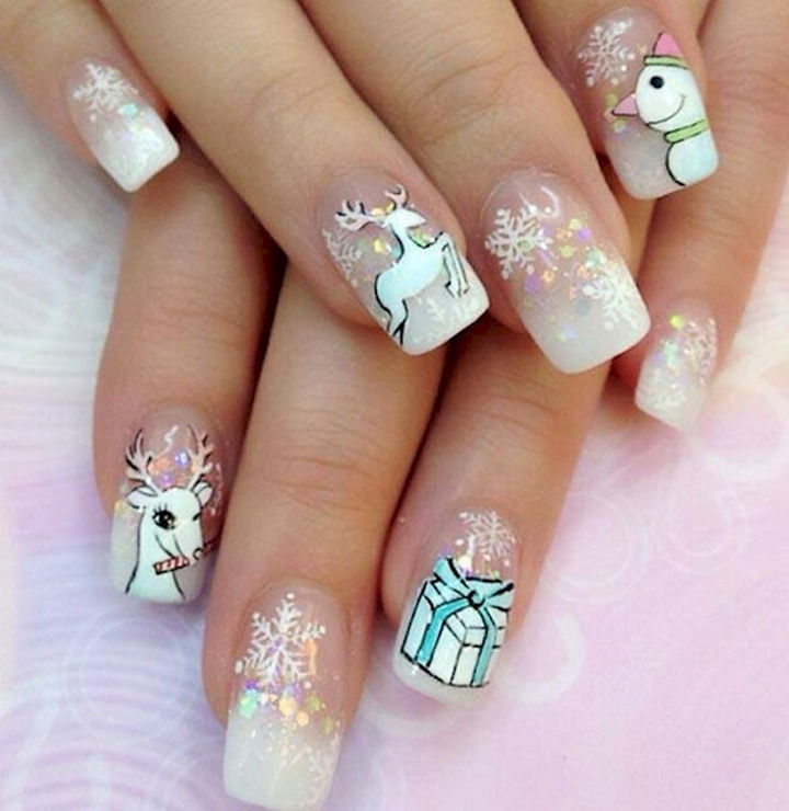 18 Perfectly Manicured Bow Nails - Let it snow with these frosted nails with Christmas decorations.