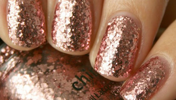 23 Christmas Nails - This glittery little number can take you from Christmas to New Year's Eve!