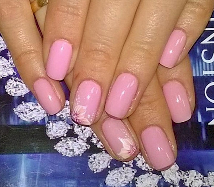 17 Rose Pink Nails - Rose pink nails with pretty floral accents.