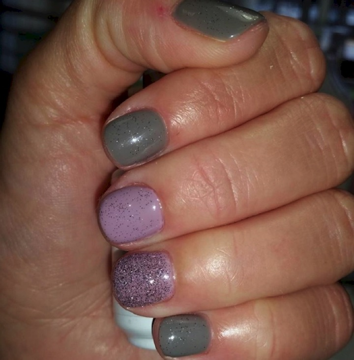 17 Extravagant Mauve Nail Manicures - Perfect accent colors.