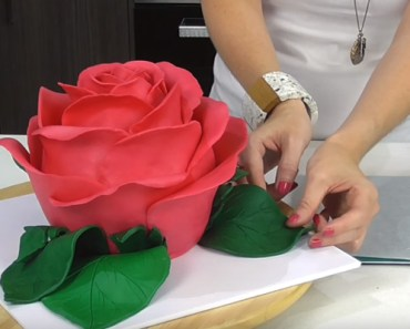 How to Make a Giant Sculpted Rose Cake That Is Simply Beautiful.