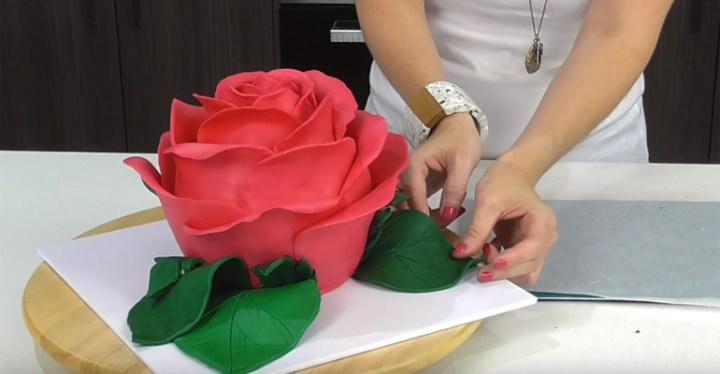 Giant Rose Cake Tutorial - How to Make a Giant Sculpted Rose Cake That Is Simply Beautiful.