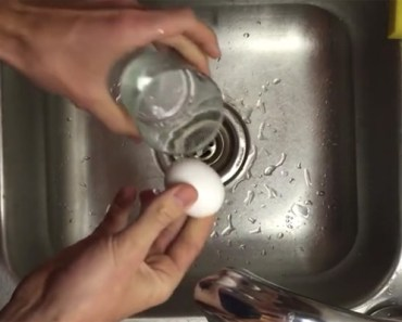 Learn How to Peel Hard Boiled Eggs Easily and in Only Seconds .