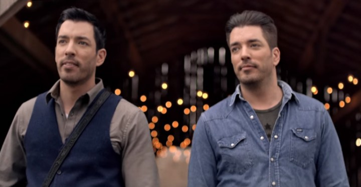 The The Scott Brothers from HGTV Perform Their Debut Song 'Hold On'.