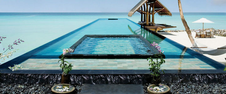 35 Epic Swimming Pools From Around the World -