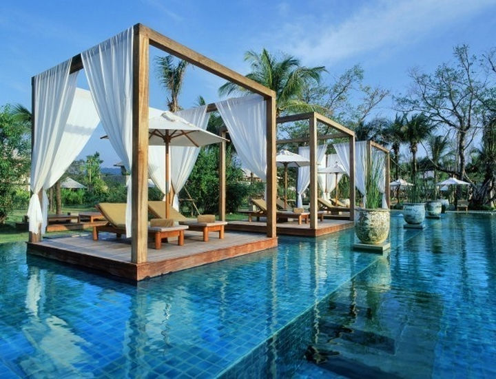 35 Epic Swimming Pools From Around the World - One & Only Reethi Rah Resort in Maldives