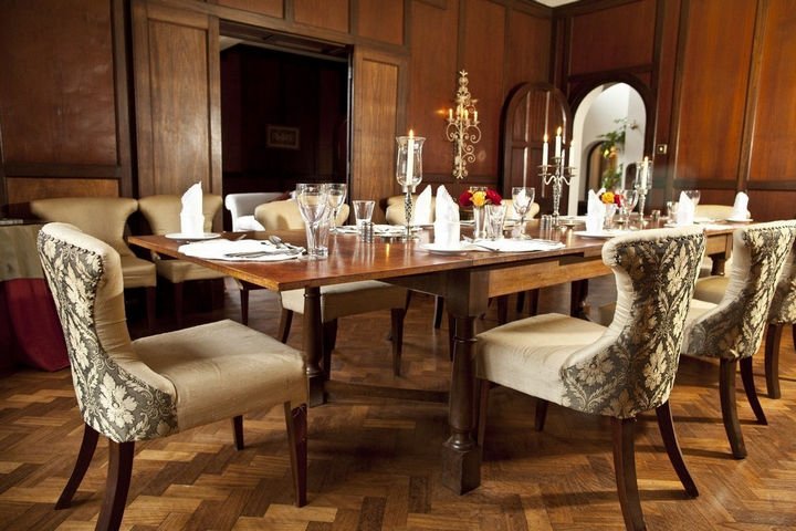 On the inside, Giraffe Manor is just as elegant with exquisite interior designs.