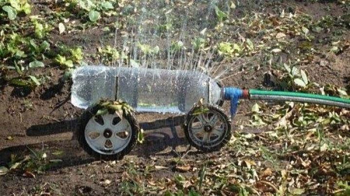 18 Funny Life Hacks - A DIY bottle water sprayer on wheels!