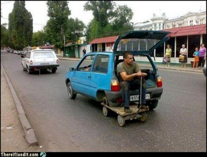 """20 Hilarious Ways Men Can Fix Anything - """"Don't have a spare tire? I can fix that!"""""""