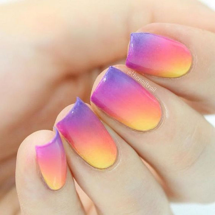 17 Gradient Nails - The colors look great in this gradient nail design.