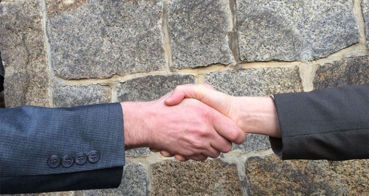 25 Psychological Life Hacks - If you have a warm hand when you shake somebody's hand...