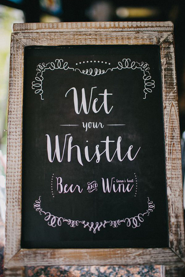 18 Wedding Signs That Are So Perfect - The bar is over here.