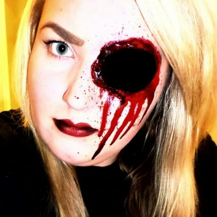 37 Scary Face Halloween Makeup Ideas - Gaping hole in the head.