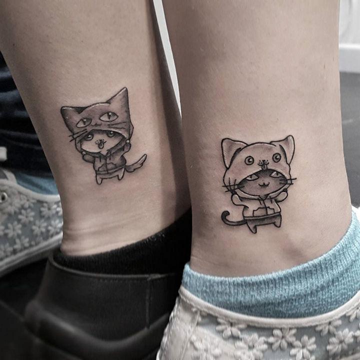 28 Sister Tattoos - Having fun together.