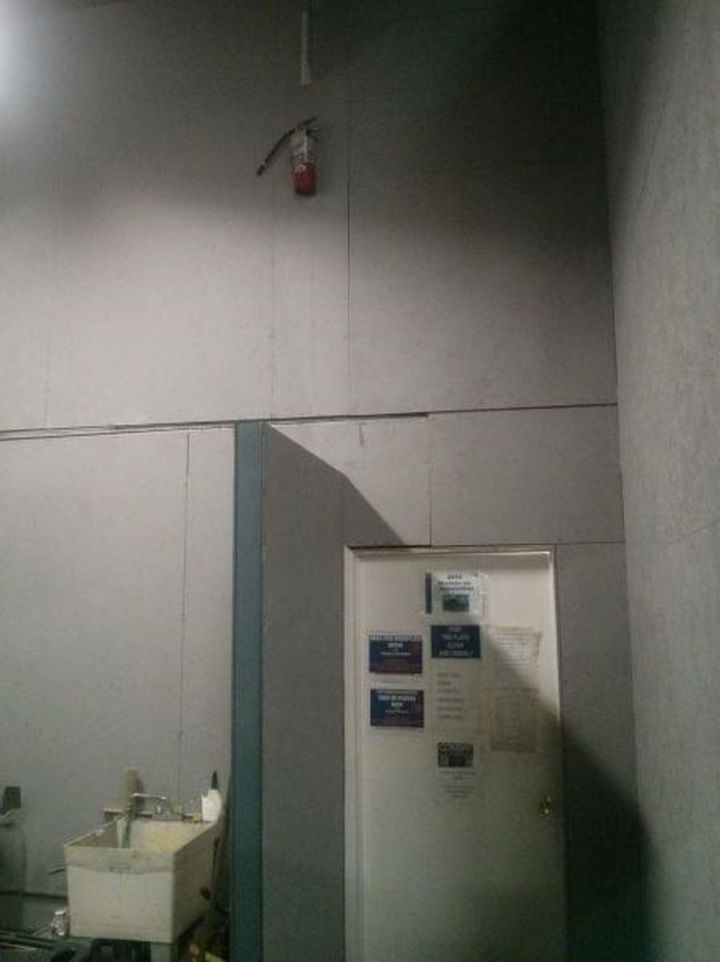 25 People Who Simply Had One Job - In case of emergency...jump!