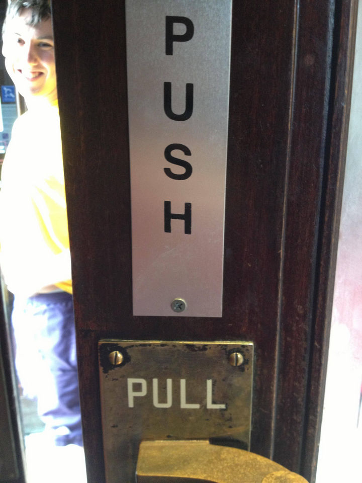 25 People Who Simply Had One Job - Good luck with that.