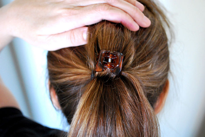 14 Lazy Girl Hair Hacks - Or, use a hair clip for fuller ponytails in minutes!