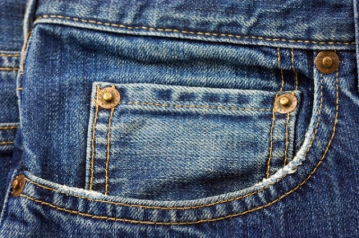 20 Everyday Life Hacks - That small pocket actually was originally created to allow rail workers and cowboys in the 1800's to store their pocket watches.