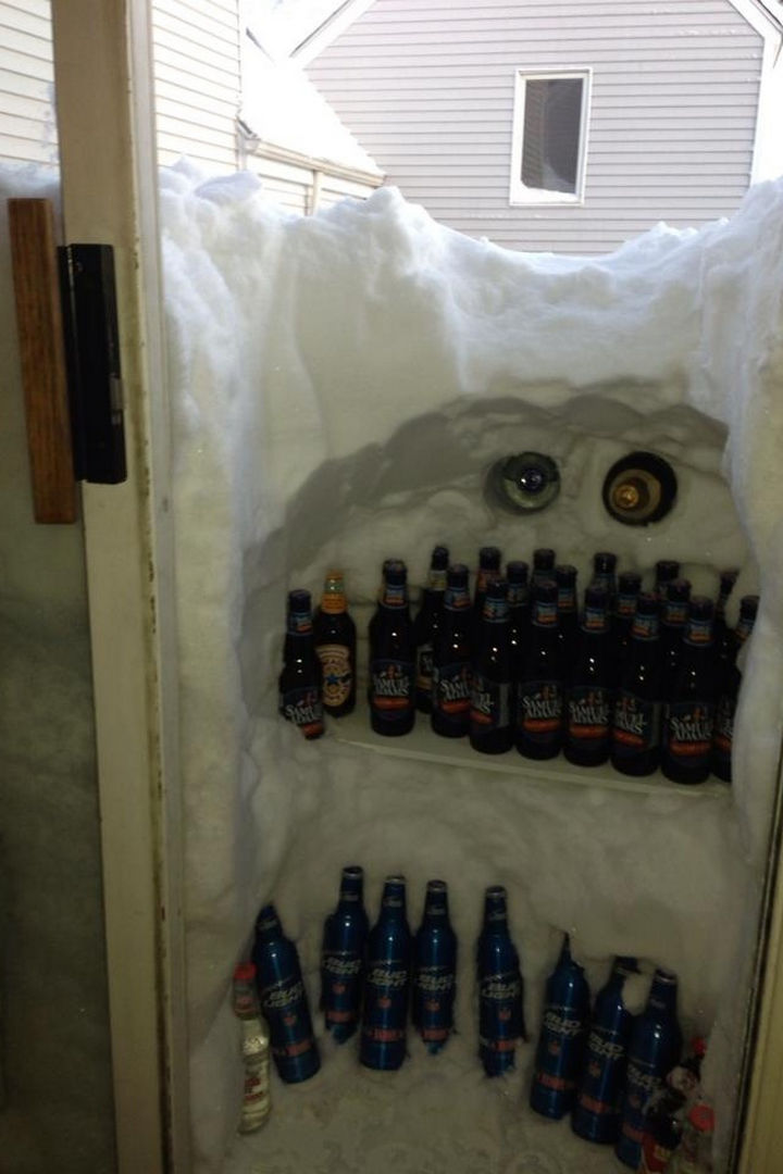 31 People Making the Best of a Bad Situation - Snowed in? Make the best of it.