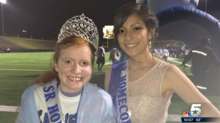 10 Random Acts of Kindness - The homecoming queen who gave up her crown to a bullied young girl.